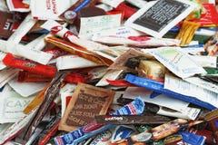 俄罗斯,圣彼德堡- 2016年10月20日 许多加糖香囊咖啡馆和餐馆从不同的国家 免版税库存图片
