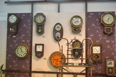 俄罗斯,安加尔斯克 古老时钟的02/01/2018博物馆 免版税库存图片