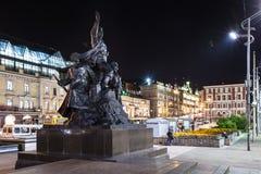 俄罗斯,符拉迪沃斯托克, 06 07 2017年 对战斗机的纪念品苏联力量的在进城中心广场的远东  海 免版税库存图片
