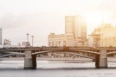 俄罗斯,莫斯科, 2017年10月13日:城市的都市风景 夏季 21次争斗大白俄罗斯社论招待节日图象授以爵位中世纪国家俄国小组乌克兰与 与强光的减速火箭的样式图象  免版税库存图片