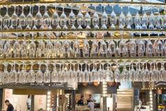 俄罗斯,莫斯科:在新的Zaryadye的餐馆内部 库存照片