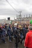 05/01/2015俄罗斯,莫斯科 在红场的示范 辛苦da 免版税库存照片