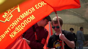 俄罗斯,莫斯科- 2016年5月9日:共产主义和左力量会议在Semyonovskaya广场的在莫斯科 股票录像