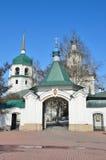 俄罗斯,西伯利亚,伊尔库次克, Znamensky妇女` s修道院在早期的春天 免版税图库摄影