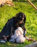 俄罗斯, Merzhanovo, 2018年5月21日:幻想cosplay两个美丽的女孩照相讲席会本质上 库存照片