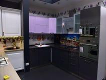 俄罗斯, StPetersburg, 22,07,2017厨房在家具sto的t 免版税图库摄影