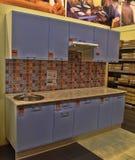 俄罗斯, StPetersburg, 22,07,2017厨房在家具sto的t 库存照片