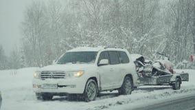 俄罗斯, Tashtagol, 2016年11月13日 车祸在冬天在慢动作适应 1920x1080 股票视频
