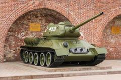 俄罗斯-下诺夫哥罗德 5月4日:T-34 (T-34-85)坦克 一个展览 库存图片