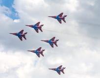 俄罗斯` s特技队` Swifts `俄语:Strizhi 免版税库存照片