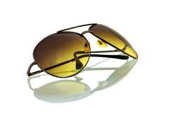 俏丽和发光的太阳镜 免版税图库摄影