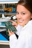 俏丽的技术人员妇女 免版税库存图片