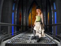 俏丽的Steampunk妇女,工业背景 免版税库存图片
