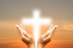 保佑在天空的十字架 库存照片