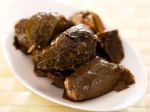保加利亚烹调-葡萄叶包饭 免版税图库摄影