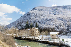 从保加利亚的美好的冬天山风景 免版税库存照片