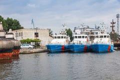 保加利亚边境警察船在瓦尔纳站立停泊 库存照片