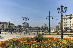 保加利亚- 2018年4月13日:狮子` s桥梁的花园在Vladaya河,索非亚 库存图片