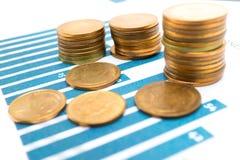 保存的堆铸造金钱图和座标图纸 财政,认为,统计、分析研究数据和商业公司m 图库摄影