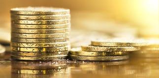 保存金钱金黄硬币横幅 库存照片