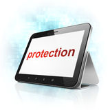 保护概念:在片剂个人计算机计算机上的保护 免版税库存照片