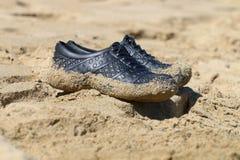 保护游泳鞋子 免版税库存照片