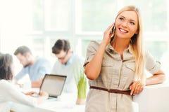 保持联系与客户 免版税库存照片