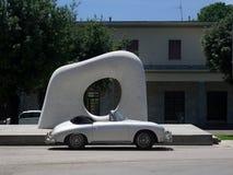 保时捷356 speedster经典蜘蛛和雕塑坎市Yasu 免版税库存图片