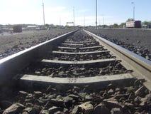 保留我们在线:火车轨道 库存照片