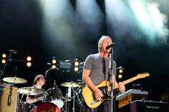 保罗Weller (英国歌手、歌曲作者和音乐家)执行在小谎节日 免版税库存照片