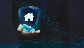 保险公司的概念对保险柜和支持的顾客, H 免版税库存照片