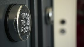 保险柜被编码的锁  影视素材