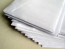 信函堆未打开 免版税库存图片