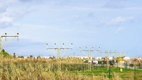 信号趋于着路小条在机场 库存图片