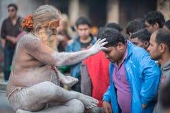 信奉瑜伽者祈祷 库存图片
