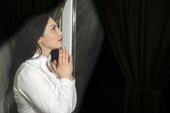 信念祷告妇女 免版税库存图片
