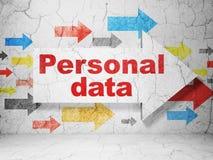 信息概念:与个人数据的箭头关于难看的东西围住背景 免版税库存照片