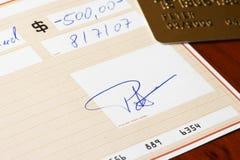 信用卡的银行支票 库存照片