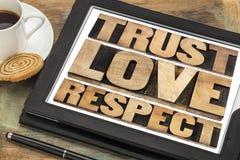 信任、爱和尊敬词 免版税库存照片