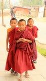 年轻修士在加德满都, 2014年4月04日的尼泊尔 免版税库存图片