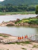 修士在琅勃拉邦 库存照片