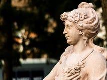 修士的石雕象 库存图片