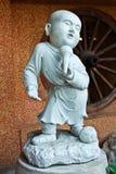 年轻修士雕塑 库存照片