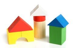 修建儿童房子的块使s木 免版税库存图片