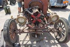 修理减速火箭的汽车福特模型T 1913年 库存图片