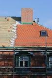 修理屋顶 图库摄影