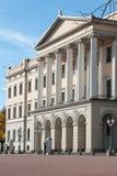 修造历史的白色石19世纪蓝天的建筑学石城市 库存图片