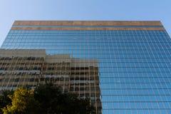 修造哥伦比亚的富国银行玻璃现代营业所 库存照片