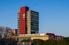修造墨西哥国立自治大学(Universidad Nacional Autonoma de墨西哥)的Rectoria 免版税库存图片