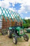 修造屋顶在乡下 库存照片